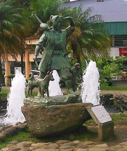 Estatua de Momotaro